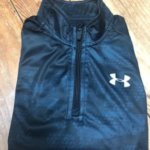 Boys Under Armour half zip pullover
